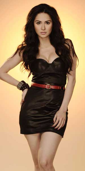 Marian Rivera wearing a black dress